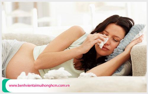 Bị viêm xoang khi mang thai có ảnh hưởng gì không ?